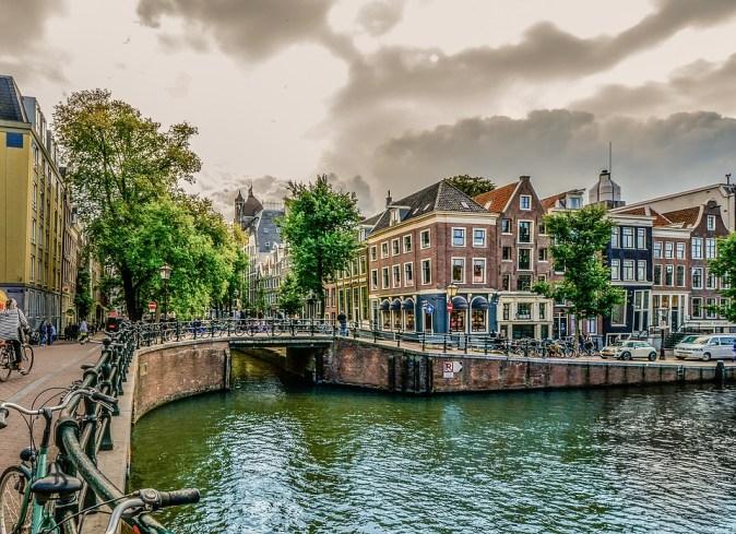 amsterdam-2332728_960_720