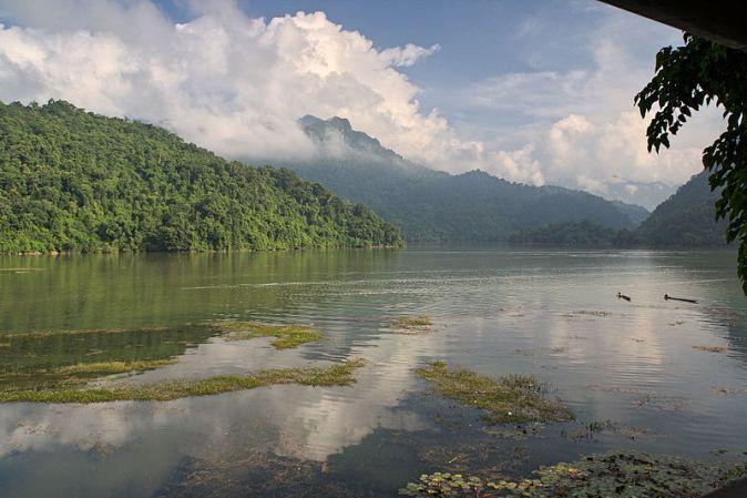 Ba_Be_Lake_2014
