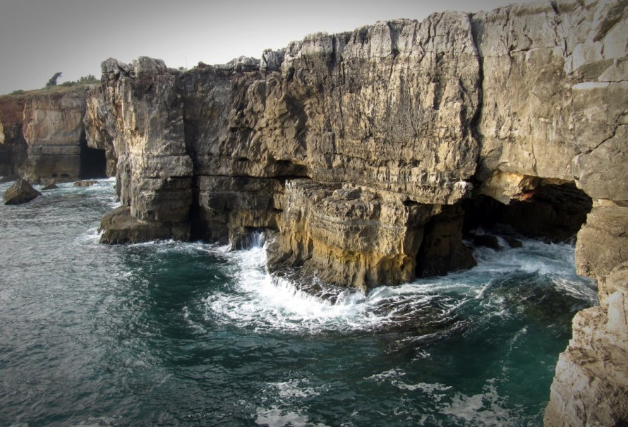 cliff_rock_coast_sea_water_portugal_stone_atlantic-823329.jpg!d