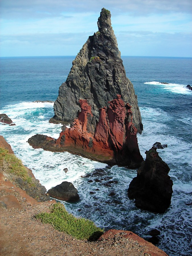 madeira_east_coast_booked_ocean_atlantic_rock_surf_red-990827.jpg!d