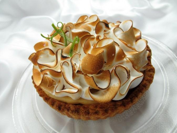 citron_unveiled_tart_lime_cake_fruit_meringue_dessert_sweet-1340554.jpg!d