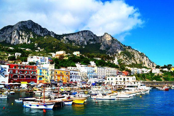 800px-Habour_of_Capri