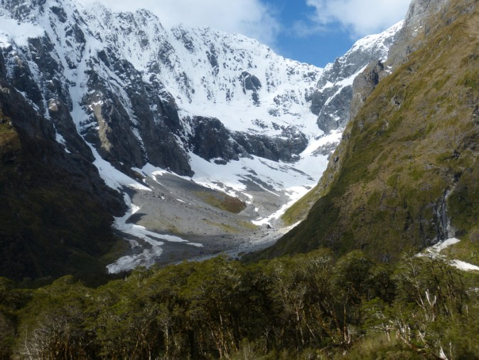 mountain-valley-landscape-in-new-zealand