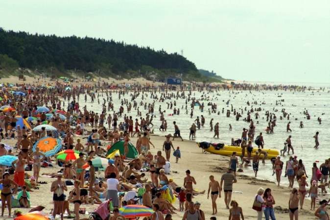 800px-Summer_in_Palanga_(August_23,_2010)