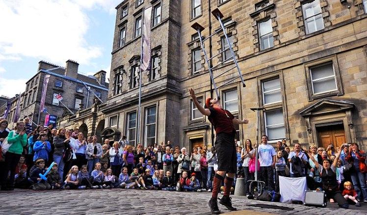 800px-Edinburgh_Fringe_037