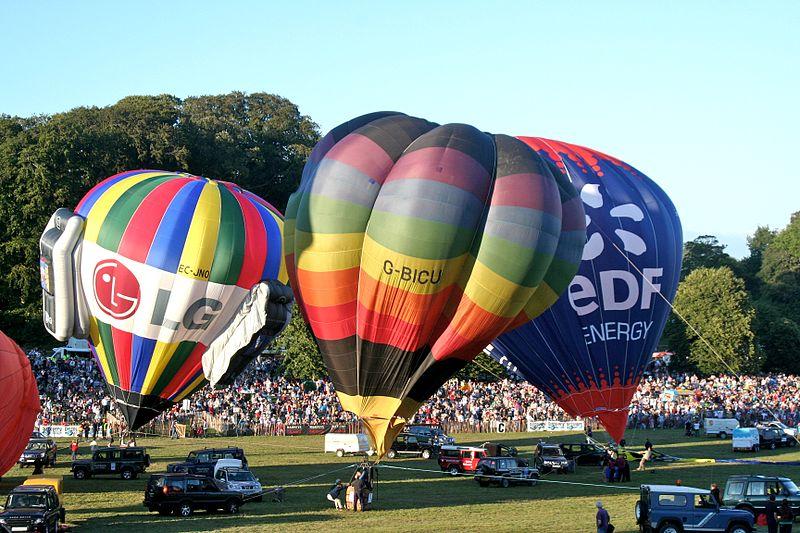 800px-Bristol_Balloon_Festival_2006_3
