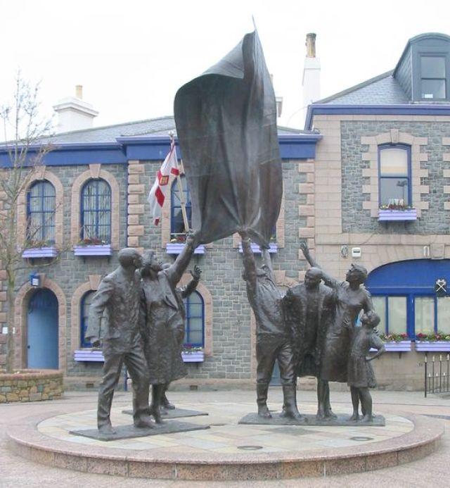 553px-Liberation_sculpture_Jersey