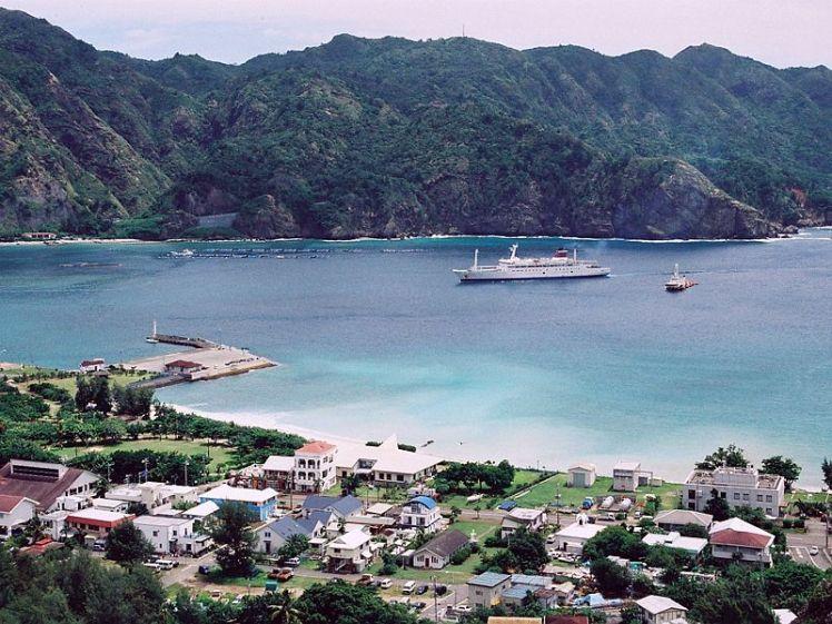 800px-Port_of_Futami,_Chichijima,_Ogasawara