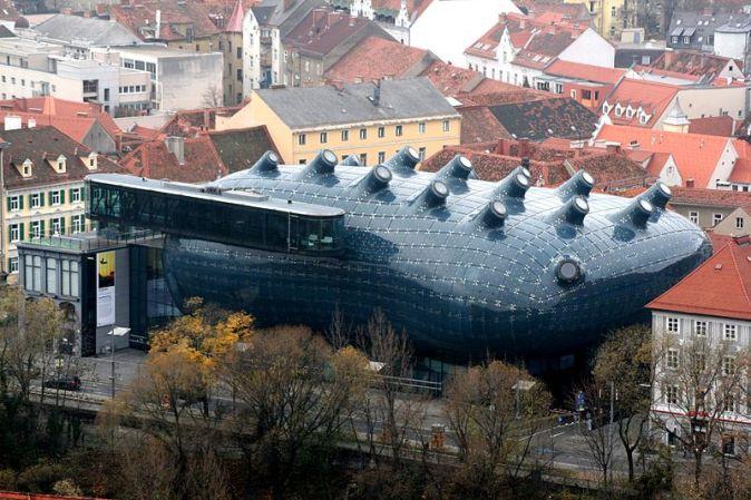800px-Graz_Kunsthaus_vom_Schlossberg_20061126