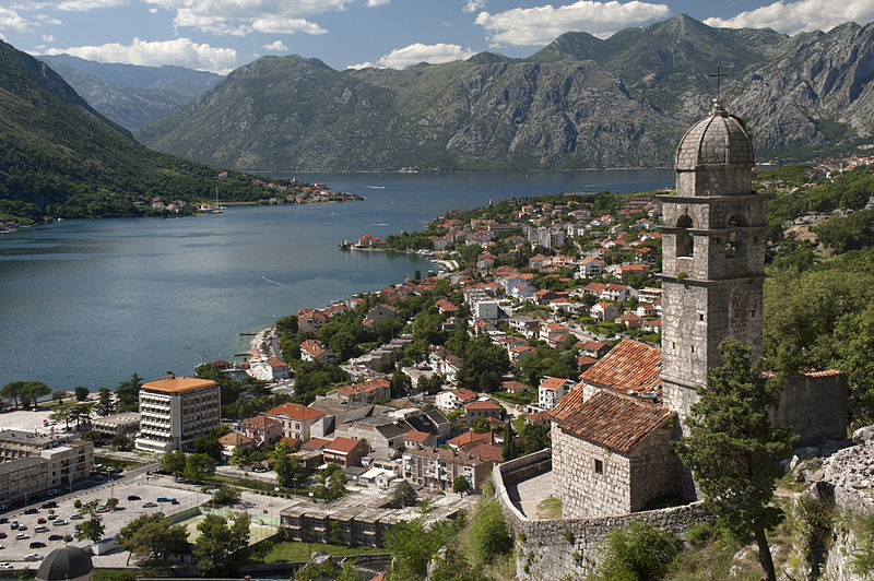 800px-20090719_Crkva_Gospa_od_Zdravlja_Kotor_Bay_Montenegro