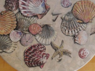 Scallops on a Faux Marble Lazy Susan