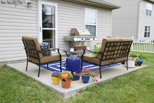 Amazing Backyard Makeovers - Painted Furniture Ideas on Backyard Patio Makeover id=64113