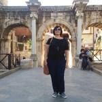 Фото-Ворота Адриана. в честь римского правителя