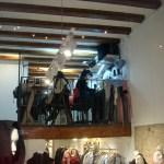 Витрины каталонской столицы-мастерская пошива одежды