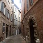 Улочки-старого-городаУрбино.jpg