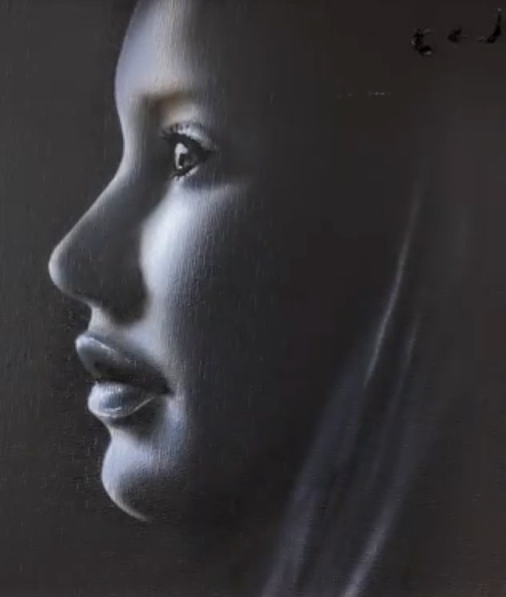 Airbrushing in Chiaroscuro style