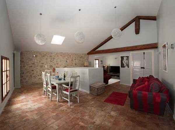 art retreat accommodation lounge2