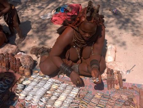 Продажа сувениров в Африке