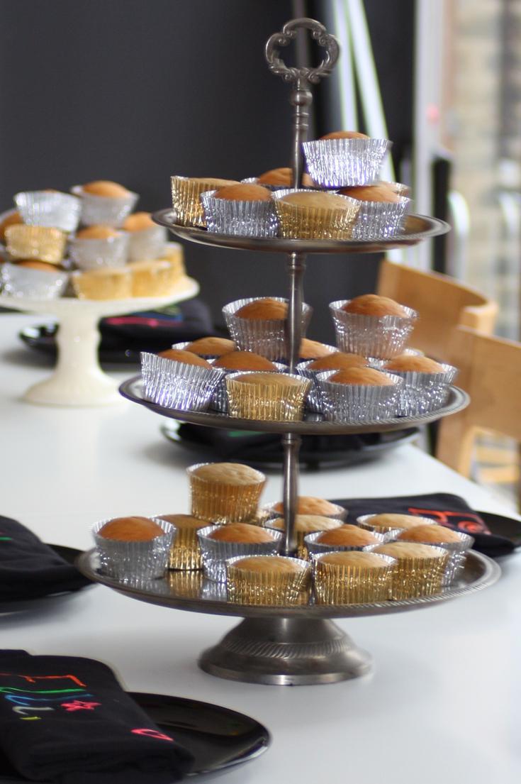 Sophisticated Cake Decorating Party - PaintSewGlueChew
