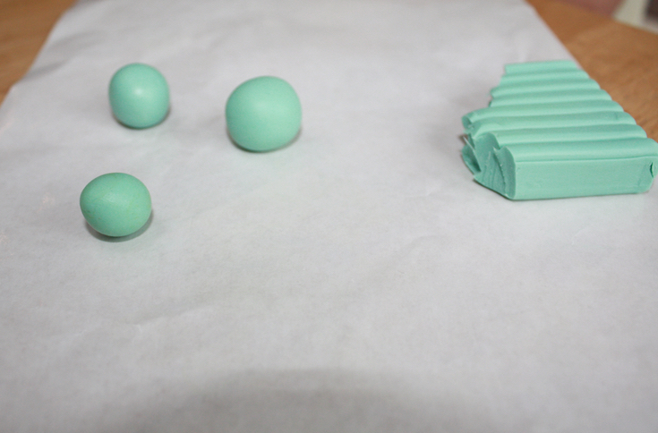 Christmas Cake Decorations - Clay Forest