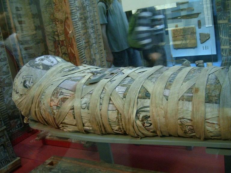 Momia egipcia en el Museo Británico