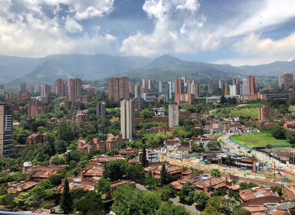 How to dress / what to wear in Medellin Colombia