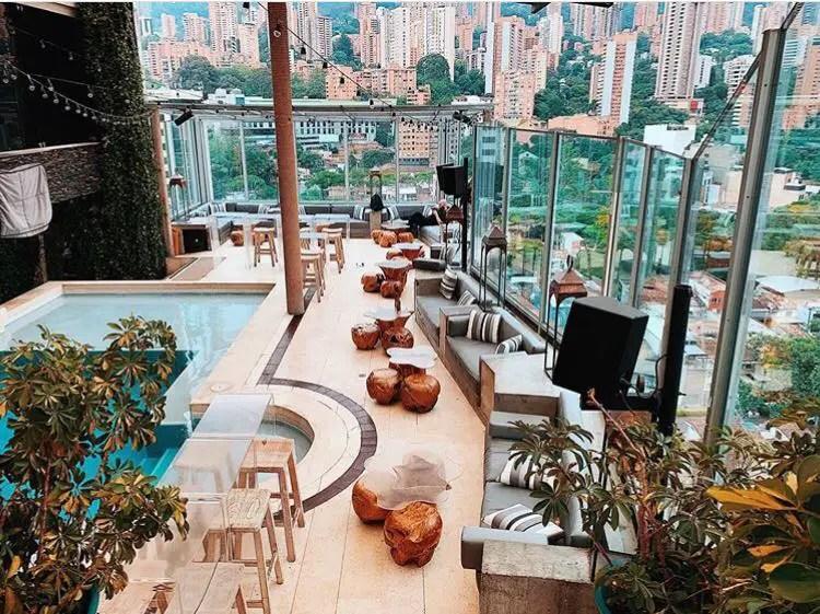 Envy Rooftop Medellin. las mejores 7 azoteas de Medellin