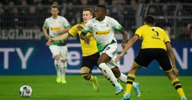 Monchengladbach's Zakaria vs Dortmund