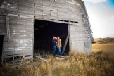 Calgary photographer - Old barn Photographs - Family Photography