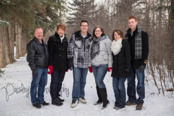 Winter Family Photography, Forest Family Photography, Extended Family Photography, Edworthy Park Family Photography