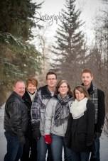 Woodland Family Photography, Winter Family Photography, Extended Family Photos, Calgary Family Photography, Cochrane Family Photographer