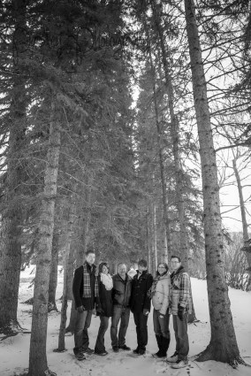 Forest Family Photos, Extended Family Photography, Winter Family Photos, Calgary Edworthy Park Family Photography