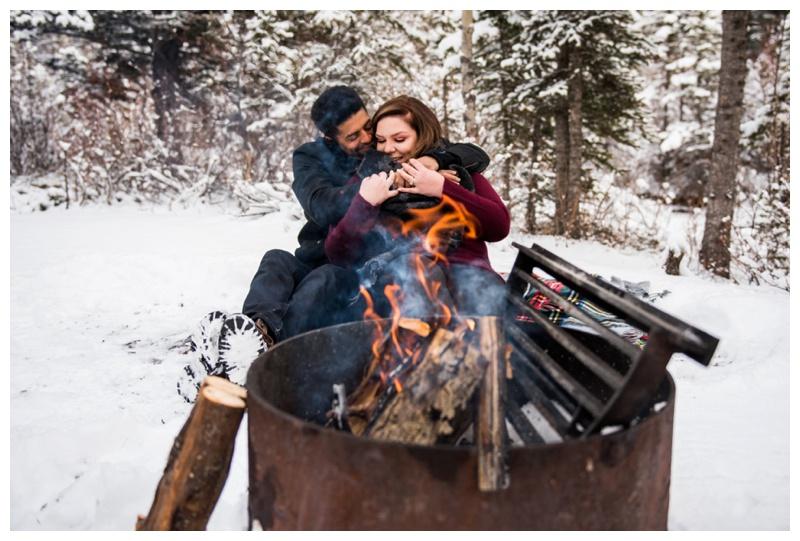 Cozy Rocky Mountain Engageemnt Photos