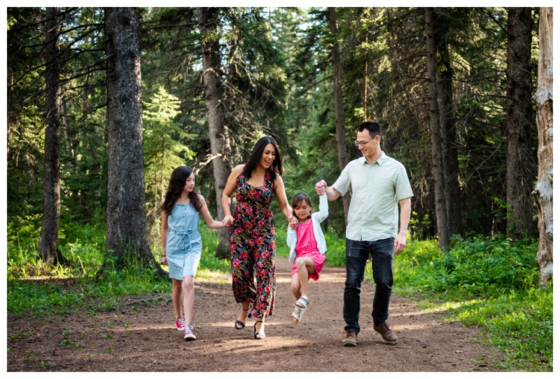 Calgary Family Photographer - Fish Creek Park