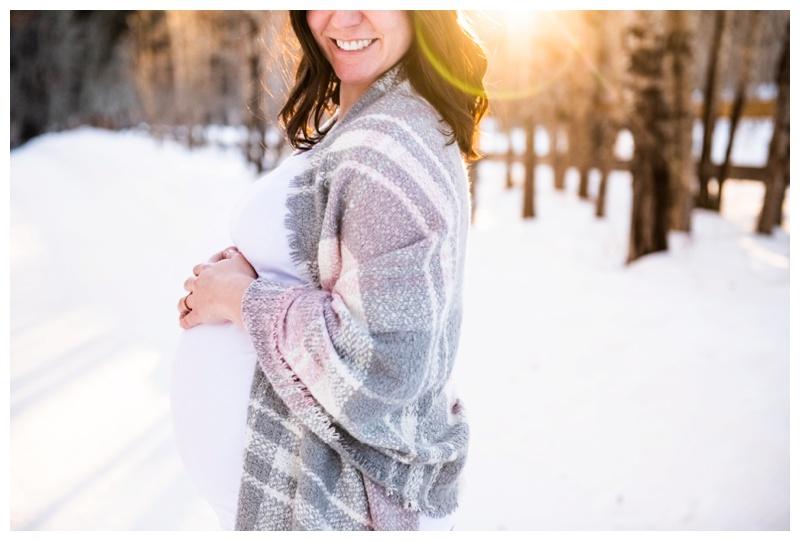 Calgary Photographer - Calgary Maternity Session