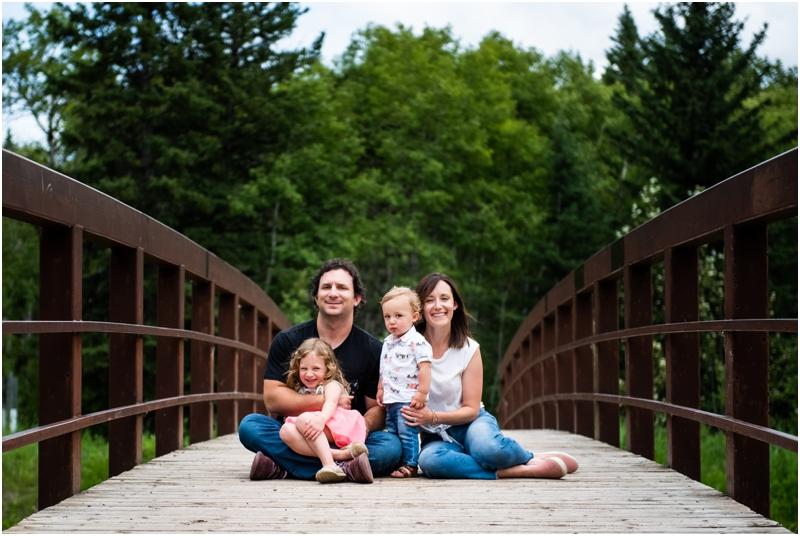 Calgary Family Photographer - Shannon Terrace Fish Creek Park