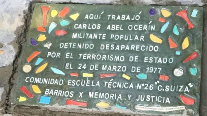 """CARLOS OCERÍN era trabajador de la ET 26 , abogado y docente de la Universidad de Buenos Aires. También se desempeñó como Secretario en la Universidad de Lomas de Zamora. Es egresado de la promoción 1963 del Colegio Nacional de Buenos Aires donde es recordado por sus compañeros . Vivía en el barrio de Caballito donde fue secuestrado en un operativo ilegal de detención a la 1.30 horas de la madrugada del día 24 de Marzo de 1977 cuando ingresaron a su vivienda fuerzas ilegales y clandestinas del Estado. Según el caso 149 de la causa judicial se afirma con certeza que fue privado de su libertad en un allanamiento realizado por personas difíciles de identificar """"por la vestimenta y los elementos de maquillaje que usaban"""". La perversidad del terrorismo de Estado al servicio del poder económico civil, quedaba expuesta en el llamado telefónico anónimo realizado a la casa familiar un mes después del secuestro , donde decían que """"Carlos Abel acababa de salir de la detención , que se encontraba bien y que les mandaba saludos su tocayo"""" . Esta fue la última información que tuvo su familia. Como era costumbre en la Dictadura militar , los Jueces civiles rechazaban los recursos de habeas corpus, Así ocurrió con el interpuesto por Reynaldo Ocerín en el Juzgado Federal N° 3 y que lleva el número 70/77 Carlos Ocerín está incluido en la causa judicial en la que se investigaron, probaron y condenaron delitos de Lesa Humanidad. En diciembre del año 2009 el Tribunal Oral en lo Criminal Federal N° 5 de la Capital Federal dictó sentencia en las causas 1261 y 1268 Escribió """"la Gran empresa , evolución y organización """" como fascículo 103 de la colección Transformaciones editado en 1973 por el Centro Editor de A, Latina -CEAL Carlos Abel Ocerín tenía 30 años y había nacido en la ciudad de Buenos Aires el 26 de Abril de 1946 ¡¡ PRESENTE AHORA Y SIEMPRE !!"""