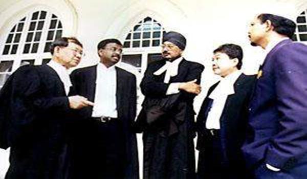 Barisan peguam bela Anwar kes liwat 1. Dari kiri; Raja Aziz Addruse, Sankara Nair, Gurbachan Singh, Christopher Fernando (Ketua Pasukan Peguam Bela) dan Zulkifli Noordin