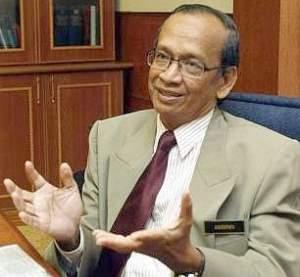 Ketua Audit Negara Tan Sri Ambrin Buang