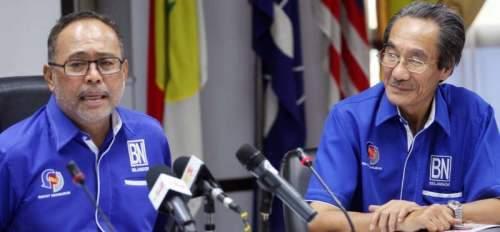 莫哈末晉(左)質疑卡立日前出示的稽查報告,抨擊當局只審查某些文件和相關交易。右:國陣沙登國會選區協調員拿督葉炳漢。(圖:星洲日報)