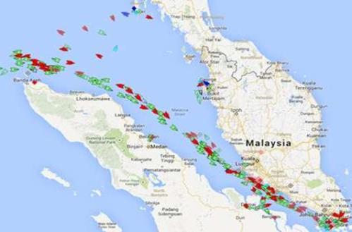 Imej menunjukkan betapa sibuknya laluan kapal disepanjang Selat Melaka