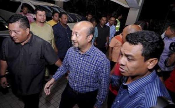 Mukhriz tiba di kediaman Timbalan Perdana Menteri Tan Sri Muhyiddin Yassin di Damansara, selepas Perdana Menteri mengumumkan pengguguran Muhyiddin dari barisan Kabinet