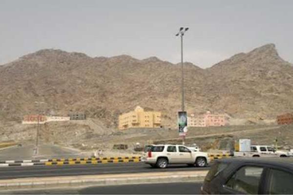 Kawasan bukit di Batha Quraish.