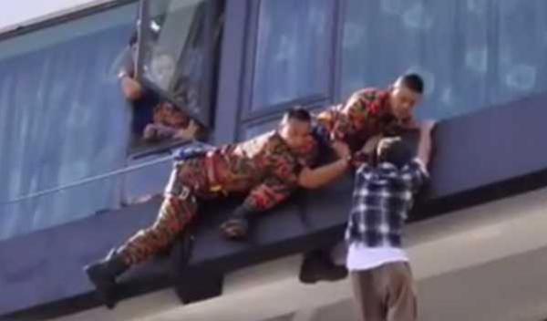 cuba-bunuh-diri-diselamat-bomba