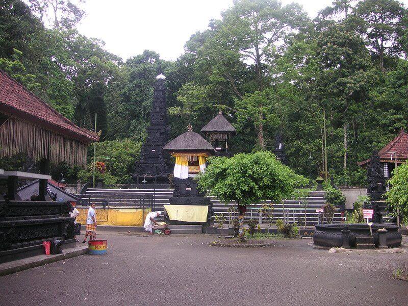 Pura Suranadi Lombok