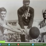 1971 Hockey World cup Pakistani captain with Indian and spanish skippers