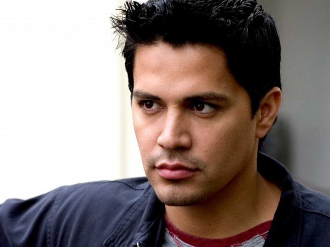 Jay Hernandez Movie List Height Age Family Net Worth