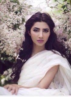 beautiful-mahira-khan-latest-shoot-for-hello-pakistan89055656_2015426153943