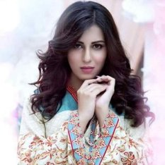 latest-and-new-looks-of-ushna-shah002