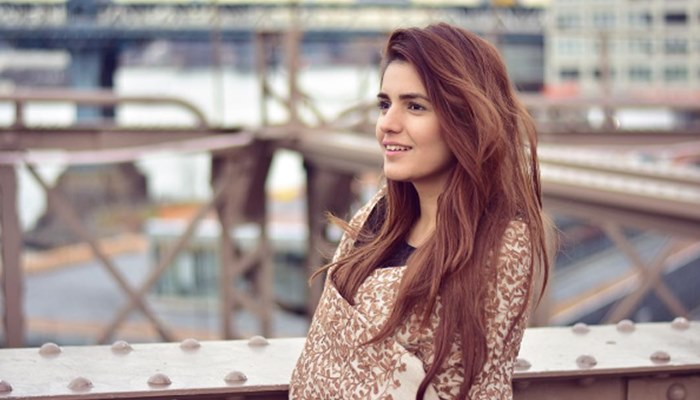 momina-mustehsan-hot-pictures
